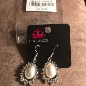 """Regal Renewal"" NWT paparazzi earrings."
